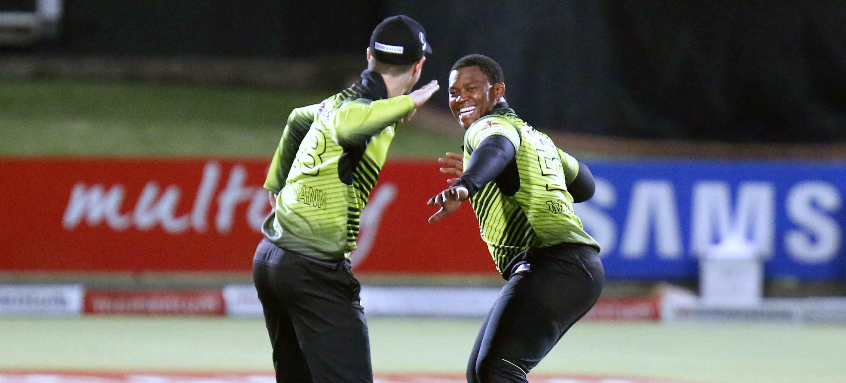 PORT ELIZABETH, SOUTH AFRICA - MARCH 17: Sisanda Magala of the Warriors (R) and Colin Ackermann of the Warriors (L) celebrate a wicket during the Momentum One Day Cup match between Warriors and VKB Knights at St Georges Park on March 17, 2017 in Port Elizabeth, South Africa. (Photo by Michael Sheehan/Gallo Images)
